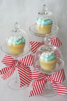 Love these cupcake stands!                         save-on-crafts.com/belljars1.html