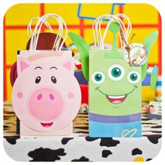 Toy Story themed birthday party gift bags are perfect for your next celebration! Comes in PDF format or print, cut and ship in the US. Gift bag tags can be personalized! Woody Birthday, 1st Birthday Party For Girls, Toy Story Birthday, Birthday Party Themes, Cumple Toy Story, Festa Toy Story, Toy Story Party, New Toy Story, Toy Story Cakes