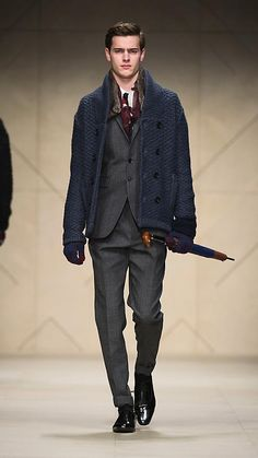 Burberry - SHAWL COLLAR KNITTED PEA COAT