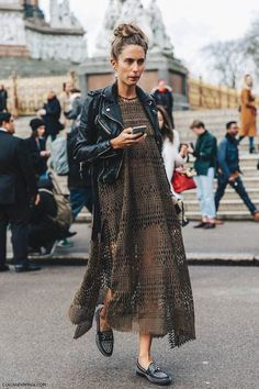 London Fashion Week Fall 16 Street Style Biker jacket and Loafers via Collage Vintage Looks Street Style, Looks Style, Style Me, Goth Style, Spring Look, Mode Hippie, Inspiration Mode, Fashion Inspiration, Street Chic