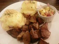 eggs benedict from sugar cafe