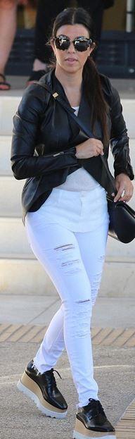 b3b3de0a07 Kourtney Kardashian  Jeans – Frame Denim Sunglasses – Etnia Barcelona Shoes  – Stella McCartney Purse
