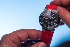 If you dive, or even if you don't, then you may know that a diver's regulator is the hub of their equipment – it is what makes breathing underwater possible, after all. We may not be referring to that type of regulator here, but the latest offering from Oris, the updated Regulateur 'Der...