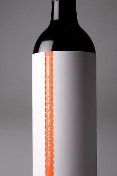 """Galerie / Design By Pidgeon, """"ici et maintenant"""" / étapes: design & culture visuelle #stilovino"""