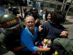 """@CASTORFAVELO: ABUELA HEROE """