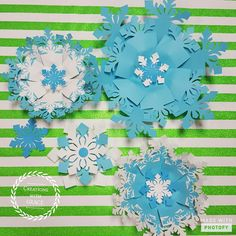 #largepaperflowers #diy #walldecor #decoracciones #floresdepapel #snowflakes