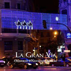 Nuevas iluminaciones con Reyes Magos en la Gran Vía de Madrid por Navidad 2014