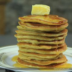 Eggless banana pancakes are prepared with ripe bananas and wheat flour.  Recipe in English - http://indiangoodfood.com/63-banana-pancake-recipe.html (copy and paste link into browser) Recipe in Hindi - http://nishamadhulika.com/1289-banana-pancakes-recipe-eggless.html (copy and paste link into browser)