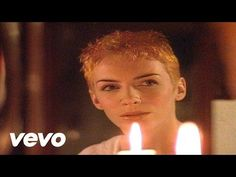 Eurythmics' official music video for 'Sweet Dreams (Are Made Of This)'. Click to listen to Eurythmics on Spotify: http://smarturl.it/EurSpotify?IQid=EurSDAMO...