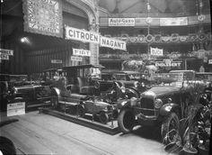 1º Salão Automóvel realizado no Coliseu dos Recreios em Lisboa, 1925. Fotógrafo: Mário Novais, 1899-1967. Data de produção da fotografia original: 1925.  C[FT003 101903.ic]