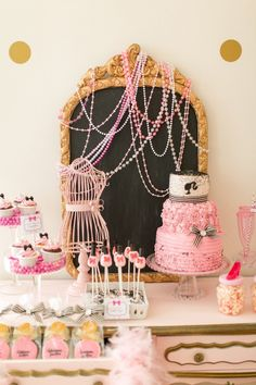 HWTM Contributor Maureen Anders of Anders Ruff here to share this Gorgeous Glam Barbie Spa Party by Xiomara Roman of A Styled Fete.  The birthday girl