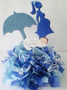 pregnant-woman-umbrella-centerpiece