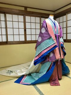 """tanuki-kimono: """" Intricate attire for a court nyobo (lady-in-waiting), seen on OP states that in last picture they tried to mimic shikko pose (a way of moving by sliding on one's knees, used when in presence of high-ranking people) """" Japanese Outfits, Japanese Fashion, Historical Costume, Historical Clothing, Heian Period, Kimono Japan, Kimono Design, Period Outfit, Kimono Dress"""
