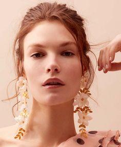 Mallarino - Fall 2018 - March 02 2019 at Luxury Jewelry, Modern Jewelry, Bridal Earrings, Bridal Jewelry, Jewelry Trends 2018, Pinterest Jewelry, Earring Trends, Fall Jewelry, Boho Jewelry