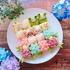 Japanese Bread, Japanese Sweets, Cute Desserts, Dessert Recipes, Bread Art, Cute Buns, Kawaii Dessert, Cooking Bread, Bento Recipes