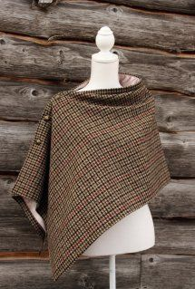 This is a unique, traditional earth wrap/cape in Harris tweed with a lavish champagne lining which has been embellished with functioning luxury buttons. This lovely wrap is a shorter style and would look great for any occasion. Country Wear, Country Fashion, Tartan Clothing, Preppy Style, My Style, Cape Designs, Tweed Run, Dress Tutorials, Cape Coat