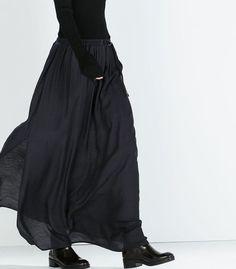 Classy Outfit Ideas Moda To Beat The Summer Heat outfit ideas moda, outfits Fashion Mode, Dark Fashion, Minimal Fashion, Fashion Outfits, Womens Fashion, Modest Fashion, Super Moda, Moda Steampunk, Dress Skirt
