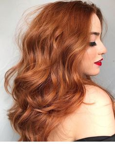 After reading this article, you can consider trying ginger hair in this autumn and winter season, and the effect it will bring will not disappoint you. Pick a color that suits you from the picture! Hair Color Auburn, Auburn Hair, Red Hair Color, Color Black, Pelo Color Caramelo, Front Hair Styles, Curly Hair Styles, Hair Front, Ginger Hair Color