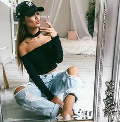 choker top + ripped jeans