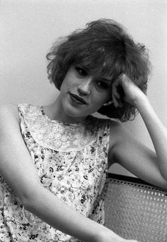 Molly Ringwald reminds me of my mom in the 80s