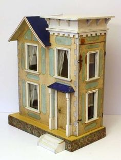 Small Antique Dollhouse.  Rick Maccione-Dollhouse Builder www.dollhousemansions.com