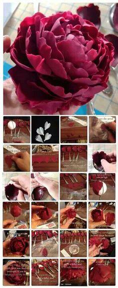 fondant flower peony (gum paste, too? Sugar Paste Flowers, Icing Flowers, Fondant Flowers, Paper Flowers, Paper Peonies, Clay Flowers, Edible Flowers, Fondant Figures, Fondant Cakes