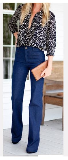 high waisted jeans and clutch