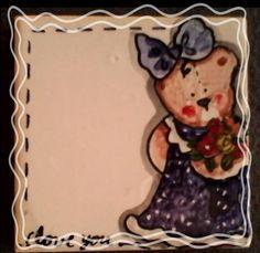 Ursinha - Azulejo vidrado pintura com tinta de alto fogo. 7,5 X 7,5 cm