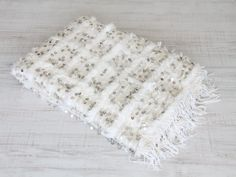 Handira marroquí. dar amïna shop. Moroccan wedding blanket.   http://daramina.bigcartel.com/products