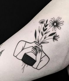 Tattoos for girls - what are the hottest and sexiest places? - Designs for ankles, hand gel . - Tattoos for girls – what are the hottest and sexiest places? – designs for ankle, wrist, foot a - Head Tattoos, Mini Tattoos, Cute Tattoos, Flower Tattoos, Tribal Tattoos, Small Tattoos, Tatoos, Simple Flower Tattoo, Tattoos Skull