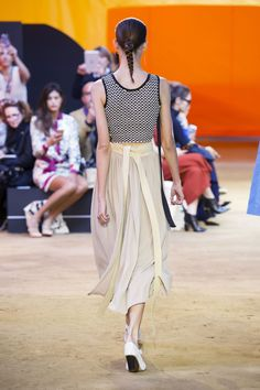 31 SPRING 2016 RTW CELINE COLLECTION  back note: waistband length