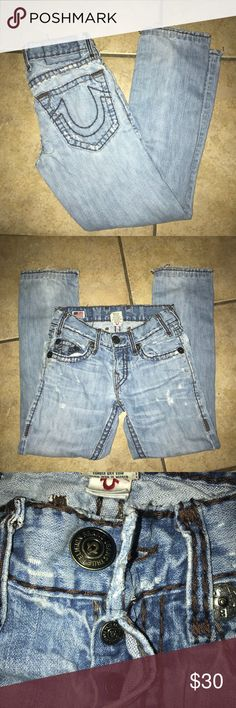 Well Worn True Religion Jeans Size 28 Well Worn True Religion Jeans Size 28 Inseam approx 28 inches some wear in crotch area see pictures True Religion Jeans