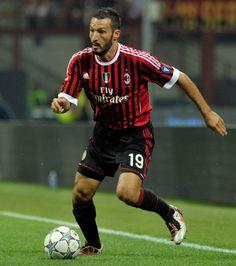 Gianluca ZAMBROTTA; 1994–97 Como, 1997–99Bari, 1999–2006 Juventus, 2006–08Barcelona, 2008–2012 MILAN, 2013–2014 Chiasso