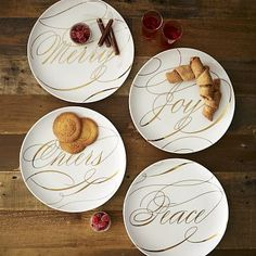 Wouldn't you just love to a pumpkin pie on these pretty plates?