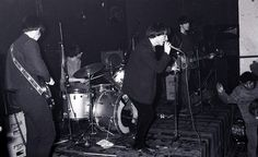 My Bloody Valentine in 1986, byKen Copsey