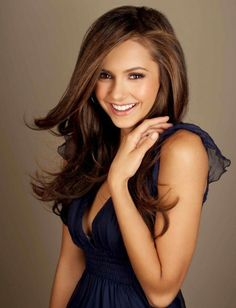 Post the best Nina Dobrev hair style. - Post the best hair style from Nina and win the props : place - 10 props place - 5 props question and answer in the Nina Dobrev club Cabelo Nina Dobrev, Nina Dobrev Hair, Nina Dobrev Photoshoot, Lauren Cohan, Corte Y Color, Dakota Johnson, Hair Dos, Pretty Hairstyles, Pretty Face