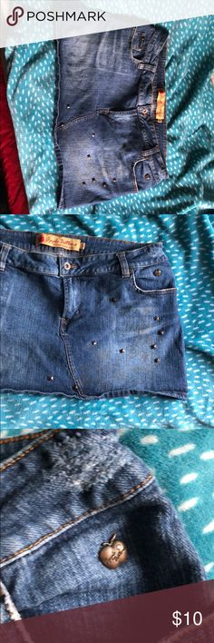 Apple Bottoms Jean Skirt 13/14 Like new! Was worn once! From a smoke free home!  Don't like the price? Make me an offer! I accept most offers and am currently purging my closet! Apple Bottoms Skirts Mini