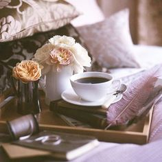Coffee With Flowers In Bed #coffee, #drinks, #pinsland, https://apps.facebook.com/yangutu