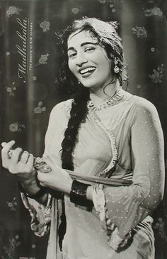 Madhubala (Mumtaz Jehan Begum Dehlavi): Most Beautiful Actress - Read her Biography, Checkout her Images, Photo Gallery, Video and more. Bollywood Cinema, Indian Bollywood Actress, Bollywood Stars, Indian Actresses, Most Beautiful Indian Actress, Beautiful Actresses, Timeless Beauty, Classic Beauty, Old Film Stars