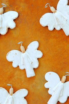 Angels for the craft sale? Ceramics Projects, Clay Projects, Clay Crafts, Diy And Crafts, Christmas Clay, Christmas Angels, Christmas Projects, Christmas Ornaments, Christmas Tree