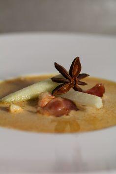 Crème de langoustines à la pomme verte , lard croustillant et badiane | On dine chez Nanou