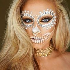White Sugar Skull - Celebrate Day of the Dead With These Sugar Skull Makeup Ideas - Photos