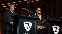 #70er,Bonamassa,joe bonamassa,#Rock Musik,#Saarland Joe Bonamassa addressing the audience – 5/24/16 Broome County Forum – Binghamton, NY - http://sound.#saar.city/?p=26652