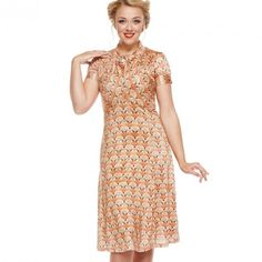 Fox print tea dress from Lindy Bop. Size 16 Dresses, Unique Dresses, Day Dresses, Dress Outfits, 1940s Dresses, Vintage Dresses, Swing Dress, Dress Skirt, Full Skirts