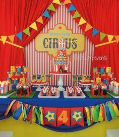 Divertidas ideas para fiestas de Circo   Tarjetas Imprimibles Circus Carnival Party, Circus Theme Party, Carnival Birthday Parties, First Birthday Parties, Birthday Party Themes, Circus Wedding, Carnival Costumes, Dumbo Birthday Party, Circus First Birthday