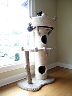 Royal Meow Cat Tree, Cat Tower, or Cat Castle? - Notes: use sisal rope + concrete pour tubes Cat Castle, Diy Cat Tree, Cat Towers, Cat Room, Cat Condo, Animal Projects, Diy Projects, Pet Furniture, Furniture Removal
