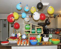 Kidspired Creations: Angry Birds Birthday Party= Balloons over the food table Cumpleaños Angry Birds, Festa Angry Birds, Bird Birthday Parties, Birthday Fun, Birthday Balloons, Birthday Ideas, Bird Party, Bird Theme, Party Planning