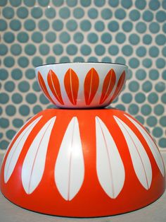 I don't think I've ever loved anything more. Cathrineholm enamel bowls are my new obsession.