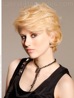 Peoples Princess Blonde Layered Style