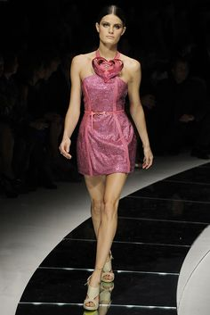 Versace Spring 2009 Ready-to-Wear Fashion Show - Isabeli Fontana